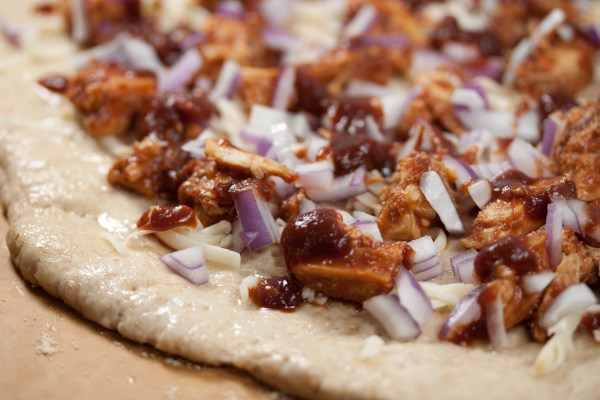 bbq chicken pizza with onions and bbq sauce